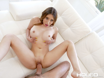 Picture 15 - Quinn Wilde on Holed in Butt Plug Jog